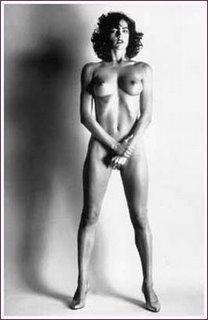 famoso desnudo solo: