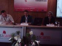 A la izquierda Fernando Morales, a la derecha, Román Cendoya