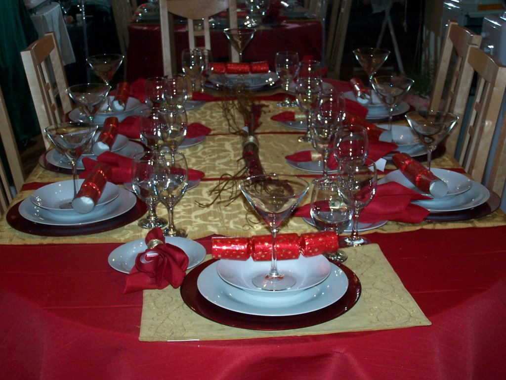 Red and gold table centerpieces images