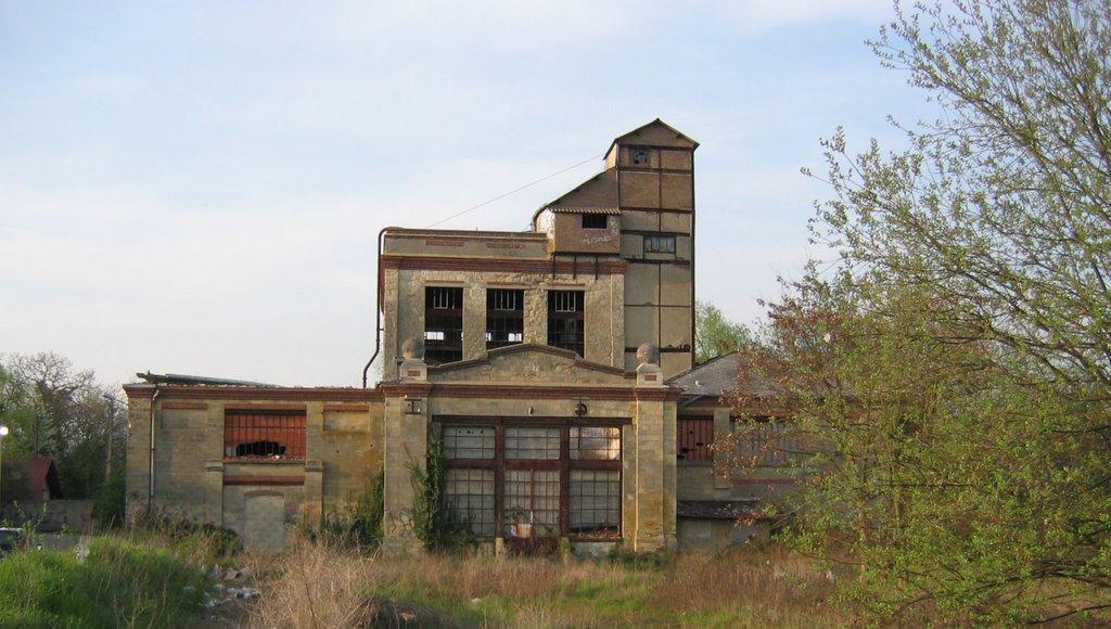 Cergipontin avril 2006 - Distillerie a vendre ...
