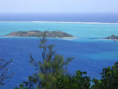 Motu in SE of Bora Bora