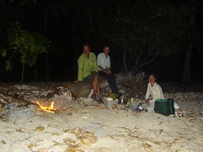 Baking potatoes in Motu Nao Nao, Raiatea