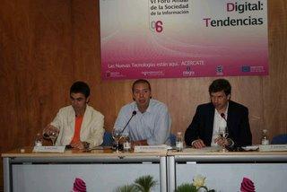Juan Varela, Sergio Martínez (moderador), y José Cerezo