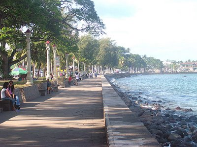 The promenade along Rizal Boulevard in Dumaguete