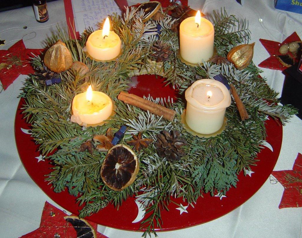 advent advent die erste kerze brennt heute hier morgen dort. Black Bedroom Furniture Sets. Home Design Ideas