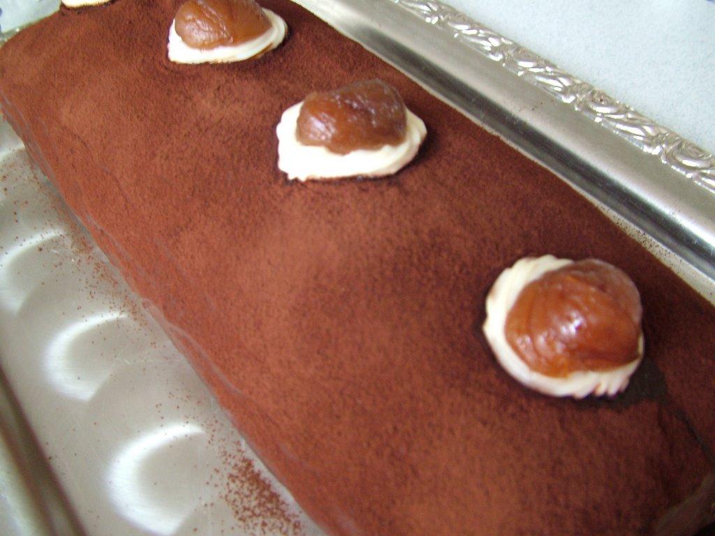 Çikolatalı ve Kestaneli Rulo Pasta
