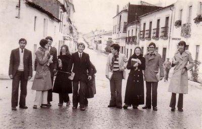 Pandilla de amigos en la Cardeña de los 60
