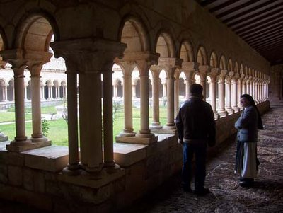 Claustro del monasterio de Santa María la Real de Villamayor de Montes (Burgos)