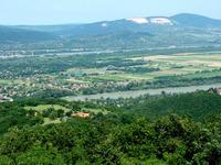 Kilátás a Nagy Villámról a Szentendrei-sziget és a Naszály felé