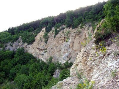A Mátyás-hegy oldalában lévő barlangos rész