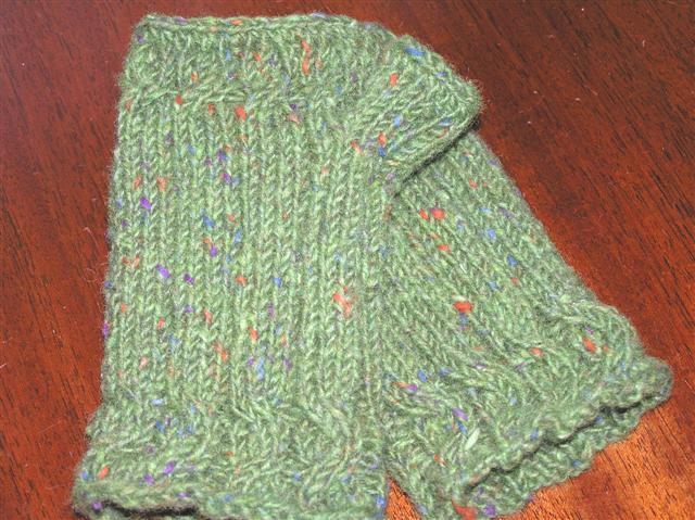 Fingerless Gloves Knitting Pattern Magic Loop : Winona Queen: Fingerless Gloves and the Magic Loop