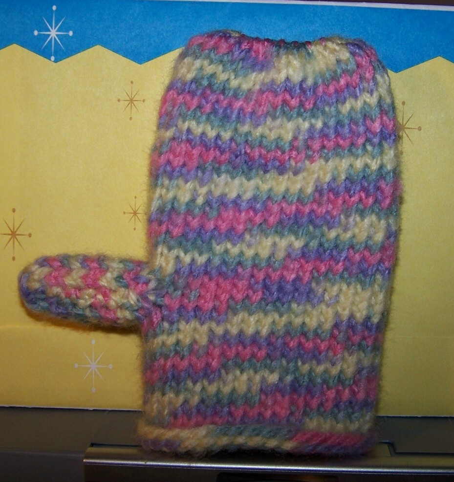 Knitting Mittens On A Loom : Knitted projects one loom mitten