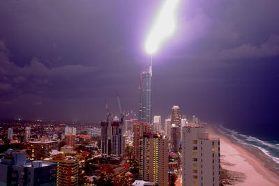 Lightning hits Q1 on the Gold Coast