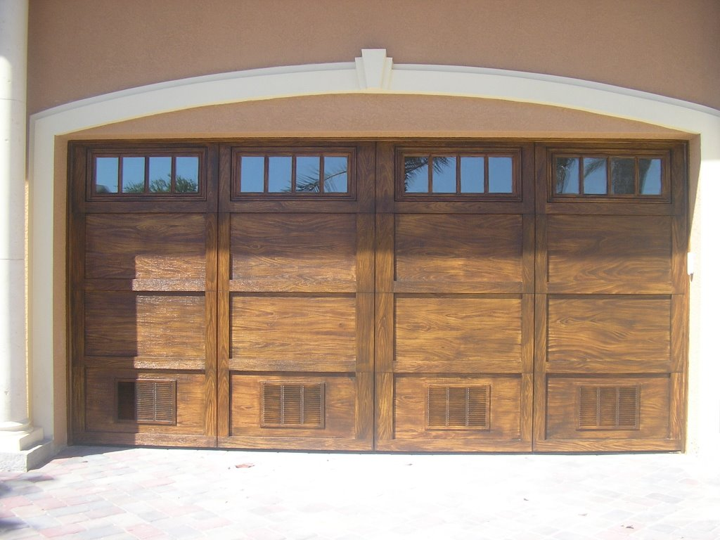 Wood look garage doors images for Paint garage door to look like wood