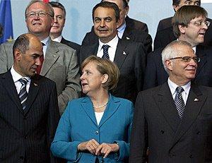 La típica foto que se hacen los líderes europeos después de las clásicas cumbres que no sirven para nada