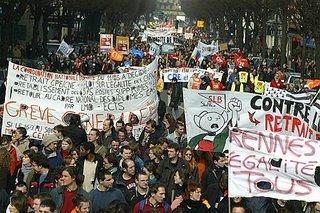 Cerca de un millón y medio de personas han salido a la calle en las distintas ciudades francesas durante el fin de semana(AP)