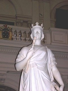Queen Victoria statue in Queen's Hall; source: D. Koyzis