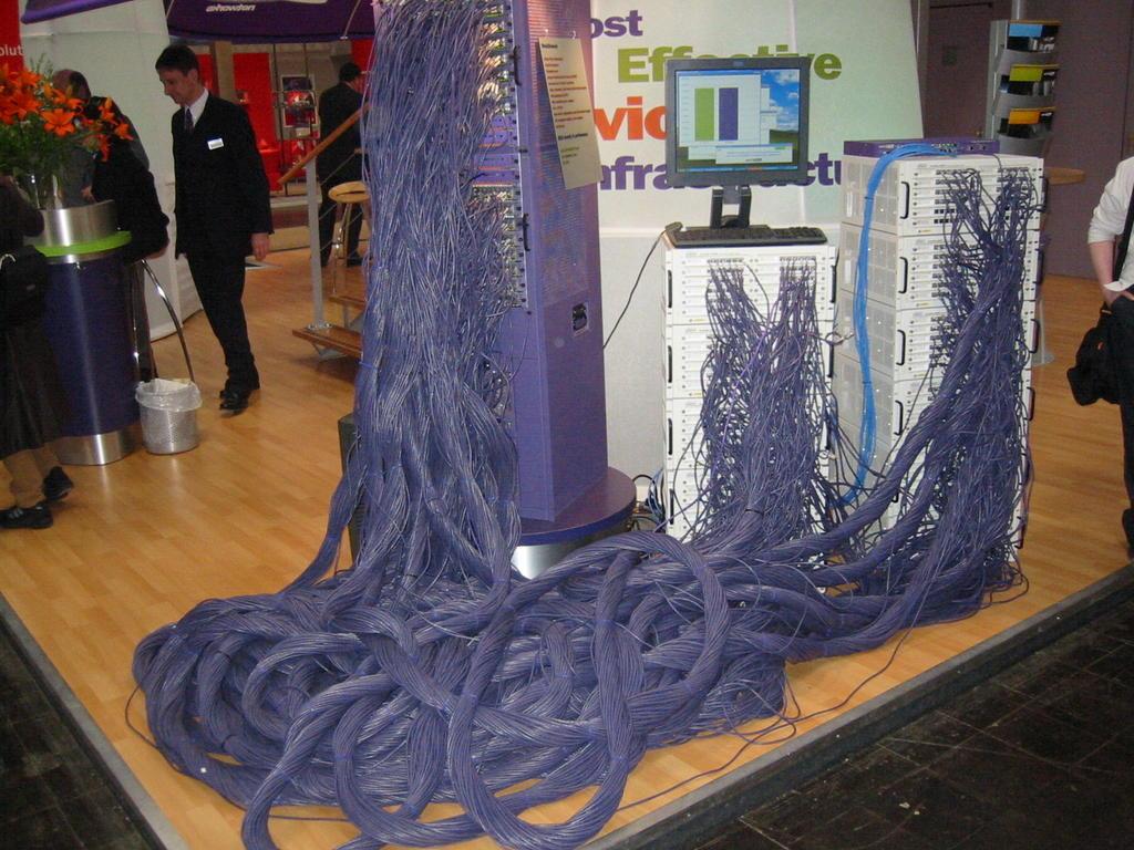 Порно с кабельями