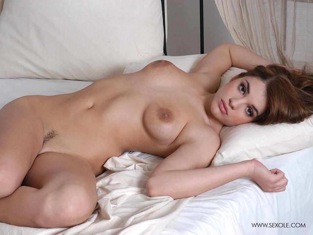 голые очаровательные девушки фото