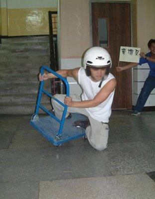 Gaya Menghadapi Tikungan Tajam Di Berbagai Belahan Dunia [ http://www.opoae.com ]
