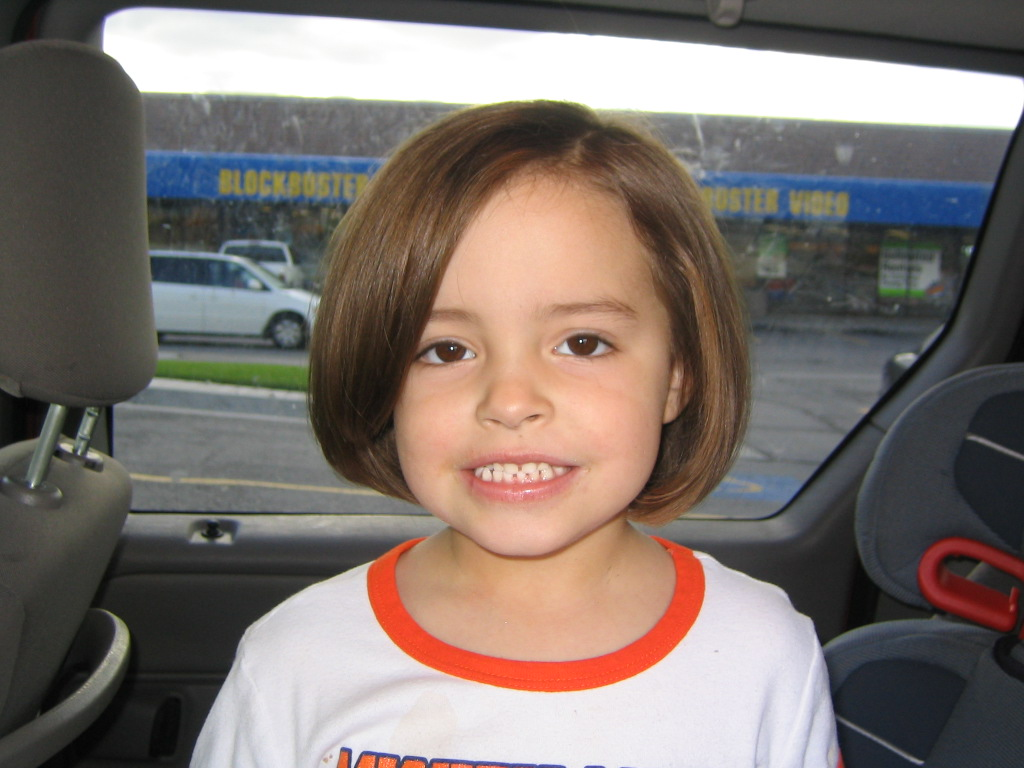 How much does a haircut cost at hair cuttery