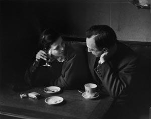 André Kertész, Elisabeth and Me in a Montparnasse Café, 1931