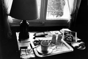 André Kertész, Paris Breakfast