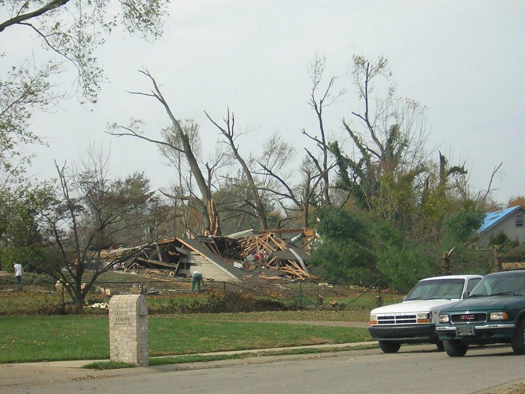 Badgers (newburgh, indiana tornado pictures): newburgh tornado photos nov.8 2005