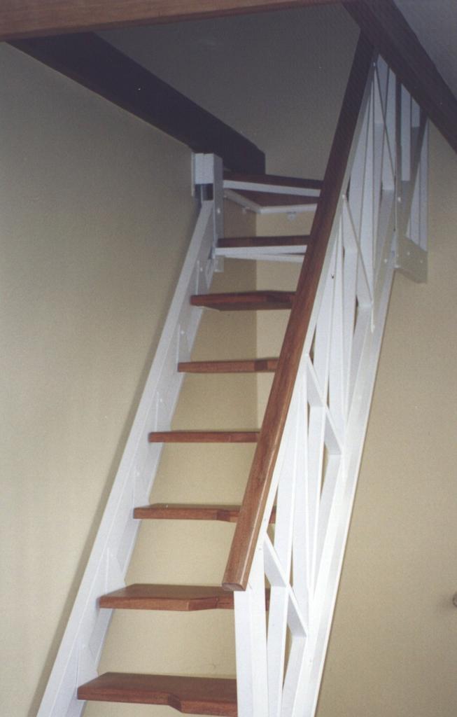 eleve escaleras y barandas escaleras para poco espacio