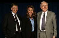 Bill, Melinda Gates y Warren Buffett