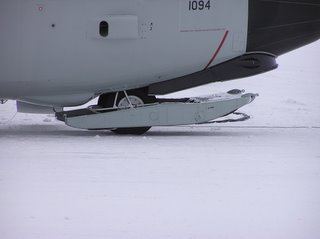 Front ski up