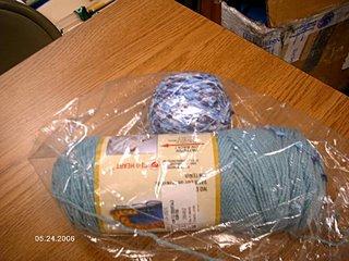 IMAGEN: lana usada para proyecto: TLC Essentials y Red Heart Tiki