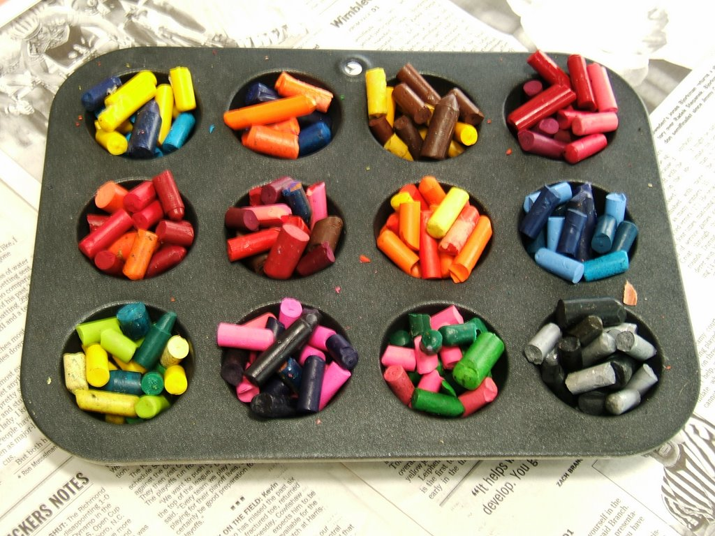 Ten Crayon Cookies Removing And Replacing Parts Dell Latitude C600 C500 Series Service We Pre Heated An Oven Gasp To 300 Degrees F Turned It Off Popped In Our Tray Should Have Just Topped With Aluminum Foil Sat On