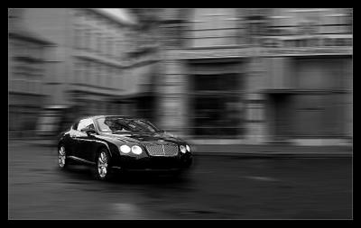 Bentley Continental GT, 0-100km/h - 4,7sek, max 322km/h