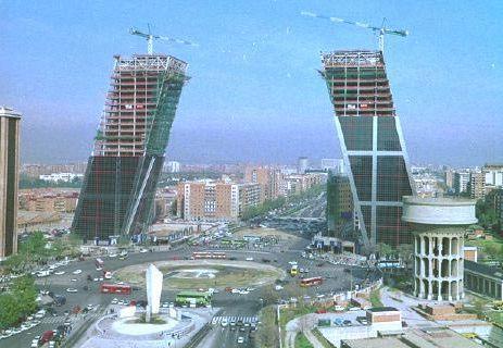 Sugus de pi a arquitecto philip johnson - Torres kio arquitecto ...