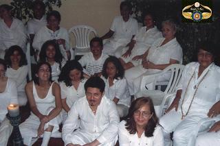 Grupo dirigido por la Mata Ji Teolinda Gonzalez...junto a la Mata Ji Dorita Urquizo de Guevara
