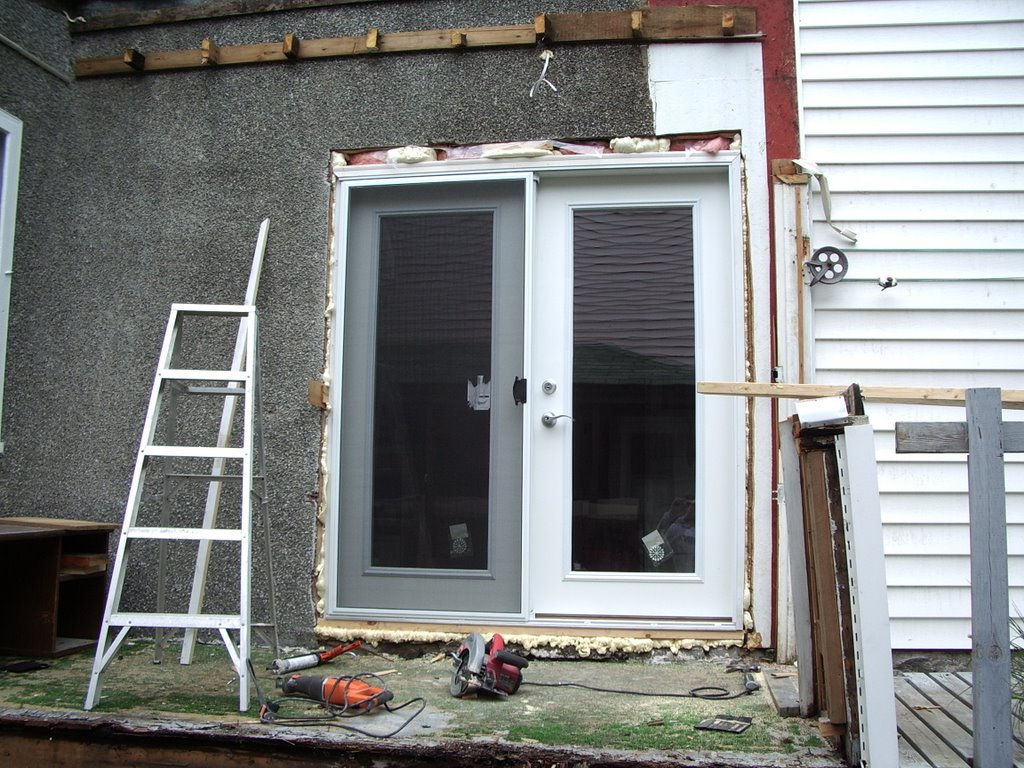 Mel and brad 39 s do it yourself home renovation lots of for Do it yourself home renovation