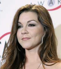 Gretchen Wilson loves the brown lipliner