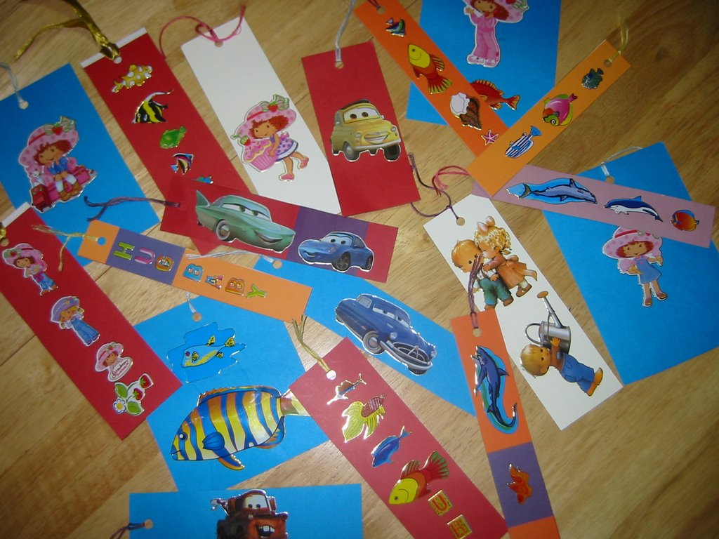 Kid 39 s craft cheap homemade bookmarks parenting times for Bookmark craft for kids