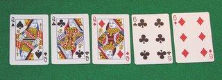 Poker le gana a color