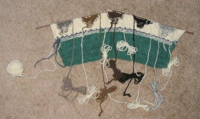 Intarsia knitting the sheep, view from the inside.