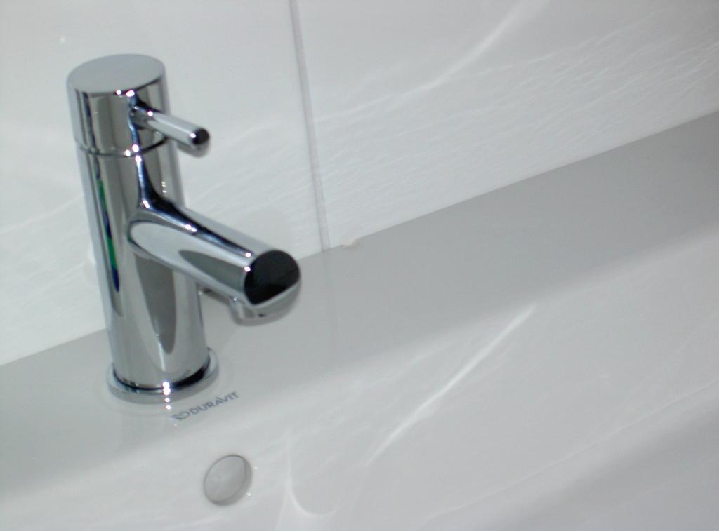 Knuff badkamer bijna klaar - Vormgeving van de badkamer kraan ...