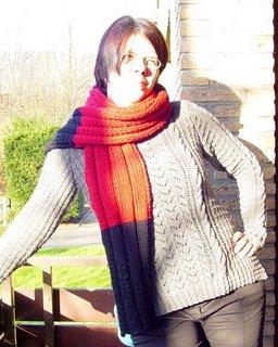 Milenas Schal, getragen von Iris
