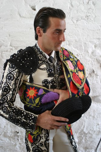 http://photos1.blogger.com/blogger/1708/1757/1600/Juan%20Luis%20Pizarro.jpg