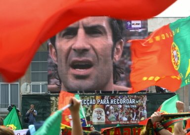 Luis Figo - O capitao Portugues - Jogadores de futebol