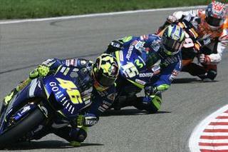 Valentino Rossi tomando una curva