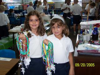 St. Bede Second Graders Make Rosaries for Hurricane Victims 1