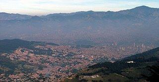 Panorámica de Medellín desde la vía a Santa Elena