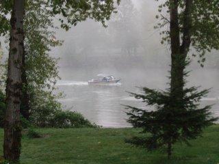 Boat on the Willamette River (c) KR Silkenvoice
