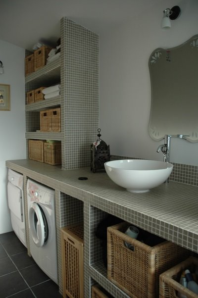 Maison mons en baroeul lille la salle de bain for Plan travail salle de bain verre